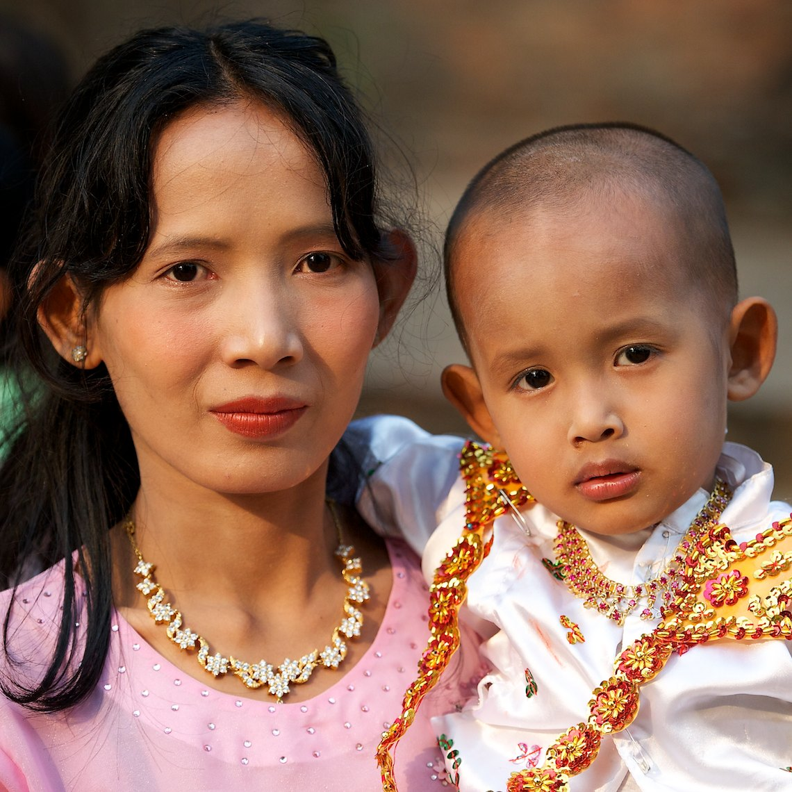 Burma Bagan portrait mother and child