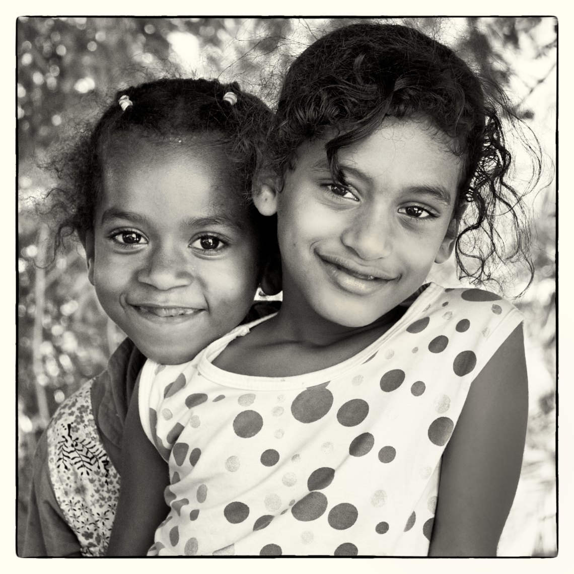 Oman portrait two girls